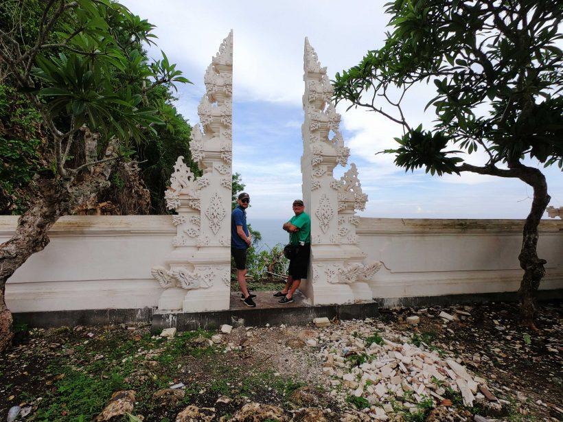Papak-badeng-temple,-Nusa-Penida