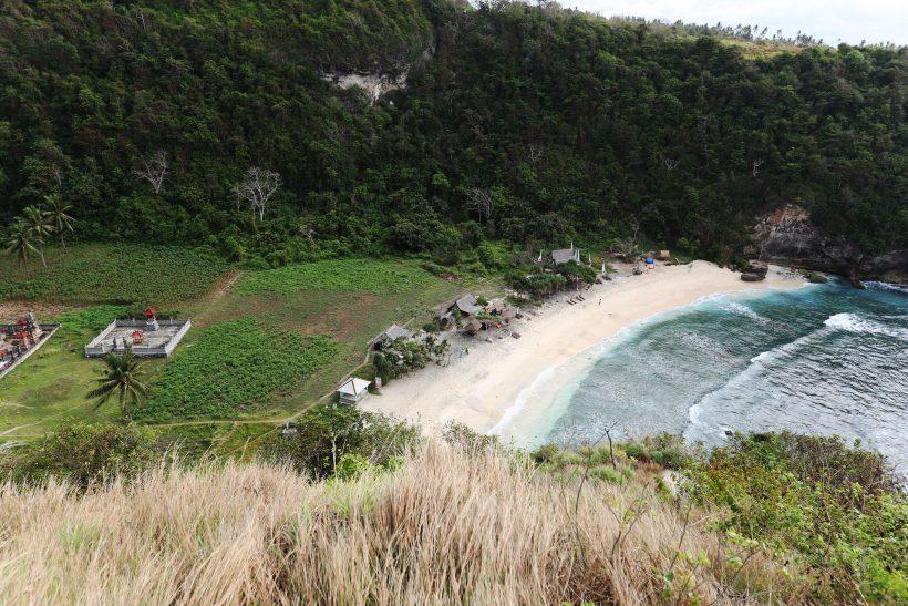 amazing-atuh-beach-232-