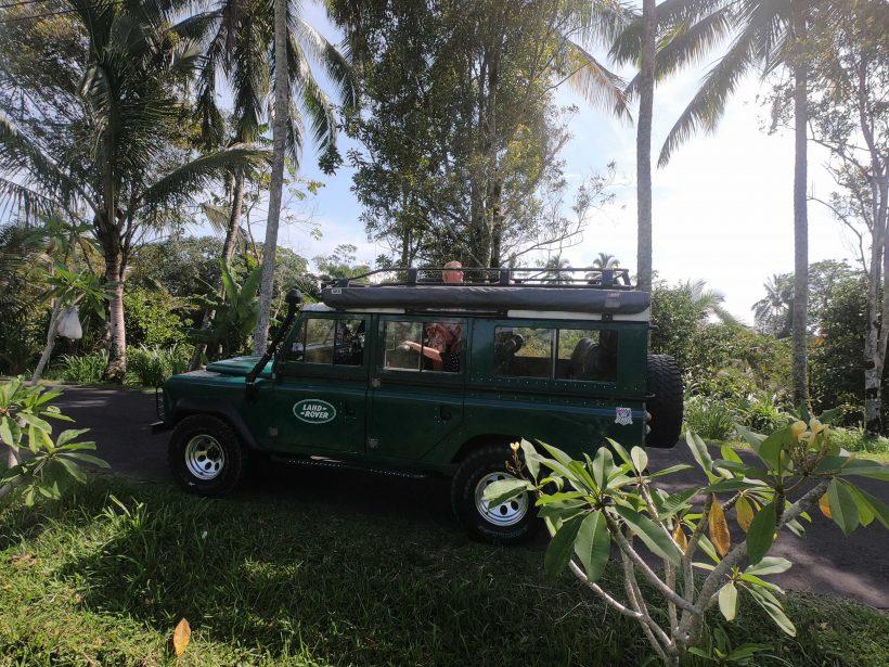 Land-Rover-4WD-car